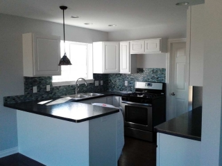 Kitchen-with-backsplash