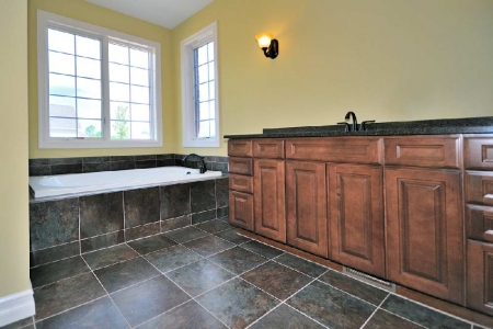 master-bath-jetted-tub